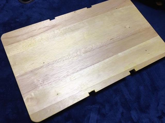 カゴテーブルの表面
