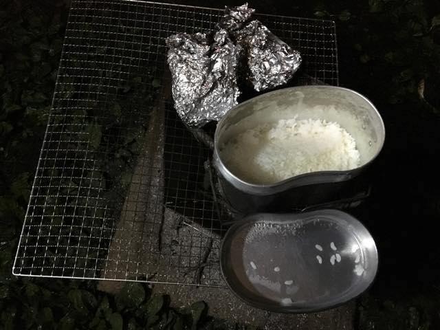 米が炊きあがりました。思った以上の出来栄え。